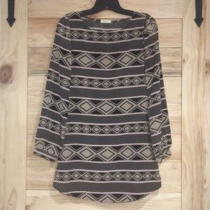 Aztec long sleeve shift dress 😍💕